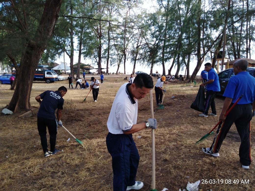Gotong Royong Minggu Bersih Bersama Agensi Masyarakat